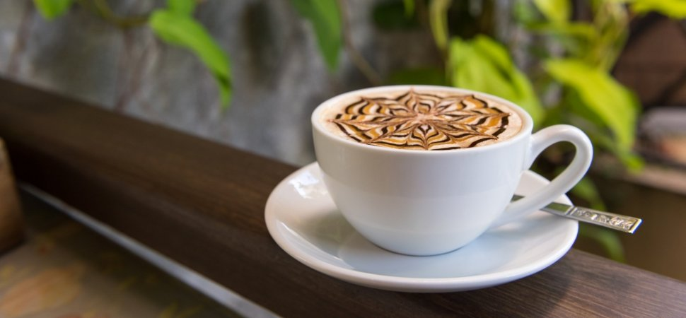 قهوه چیست و چرا انقدر پر طرفدار است؟