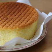 کیک ساده با مواد کم