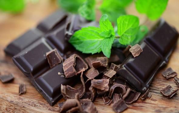فواید شکلات تلخ در برابر فراموشی
