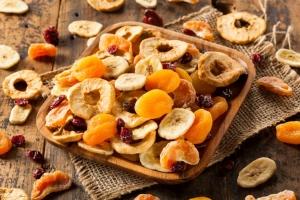 فواید میوه های خشک